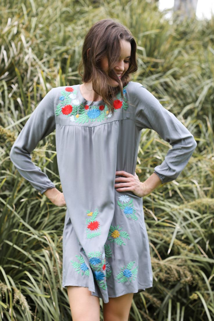 Merida Dress in Grey – Adrift Clothing