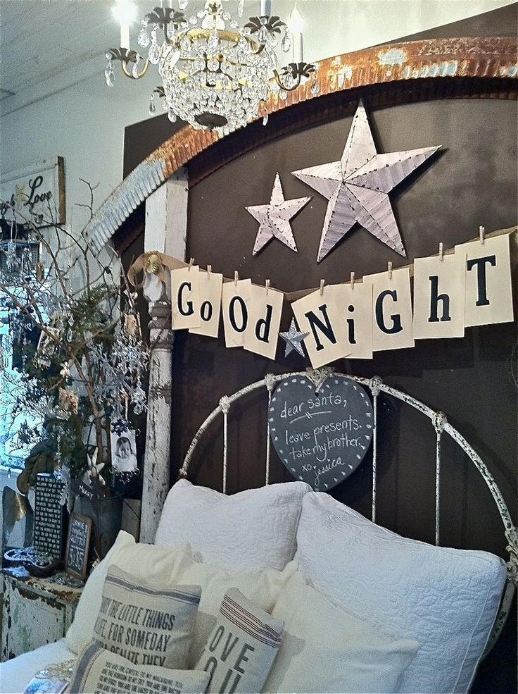 easy banner: Good Night, Guest Bedrooms, Guest Rooms, Christmas Ideas, Country Bedrooms, Bedrooms Decor, Sweet Dreams, Black Wall, Kids Rooms