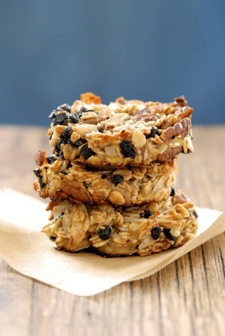 Blueberry Coconut Pecan Breakfast Cookies    Ingredient list:  rolled oats, unsweetened coconut flakes, golden flaxmeal, salt, pecans, dried blueberries, bananas, coconut oil, agave nectar, vanilla extract