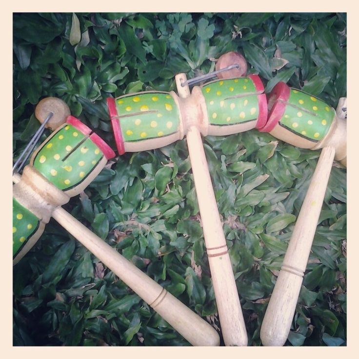 Sale Indonesia Traditional Toys named Etek2 Palu. Further info please mention us on our twitter account @wieraningshop :)