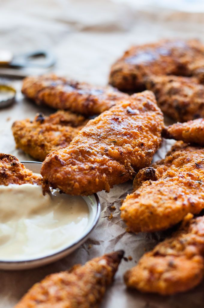 The BEST KFC copycat recipe: Made in the oven, tastes like KFC, nice and crunchy but with just a fraction of the calories!