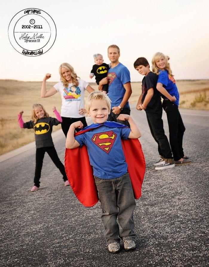 Superhero photo! kristendukephotography.com 13 CREATIVE Family Picture Ideas for your next family photo session! http://www.kristendukephotography.comideas-creative-family-potraits/?utm_content=bufferd1840&utm_medium=social&utm_source=pinterest.com&utm_campaign=buffer