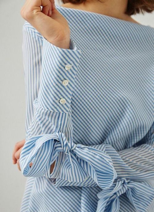 stripes, bows, and french cuffs! (vía ℓυηα мι αηgєℓ ♡)
