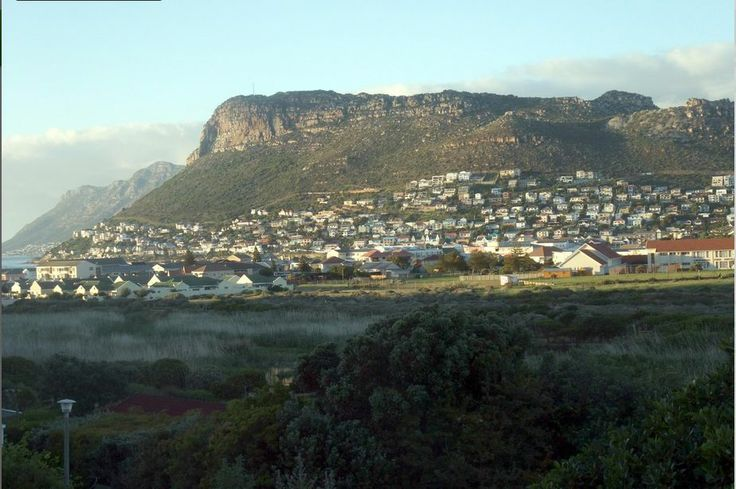 Self catering accommodation, Clovelly, Cape Town   Mountain Views from the apartment   http://www.capepointroute.co.za/moreinfoAccommodation.php?aID=261