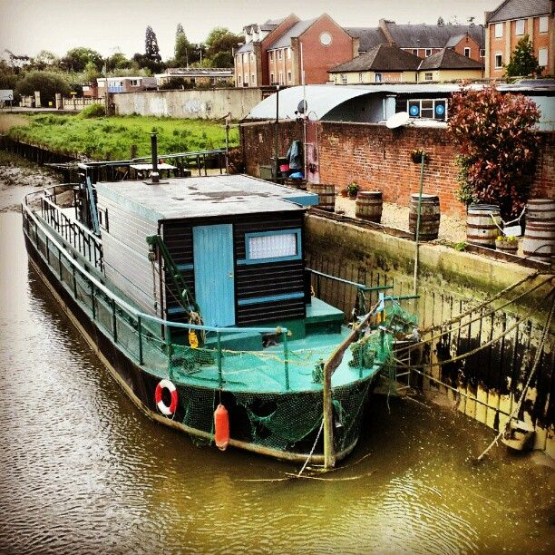 Houseboat Colchester
