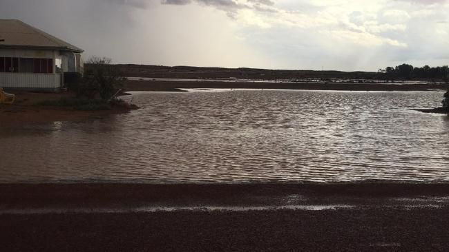 A FLOOD watch in the state's North East Pastoral district has been cancelled after rain in the area eased overnight.