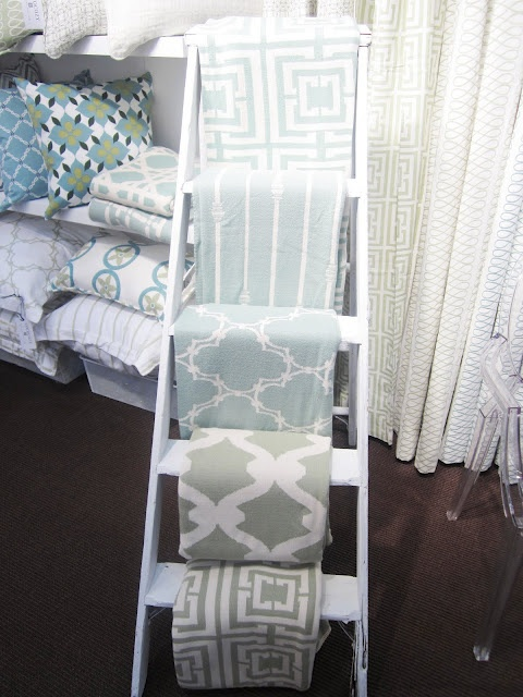 Coco Cozy blankets and curtains: Booths Display, Display Fabrics, Cococozi Throw, Fabrics Samples, Booths Ideas, Colors Schemes, Display Ideas, Design Blog, Booths Plans