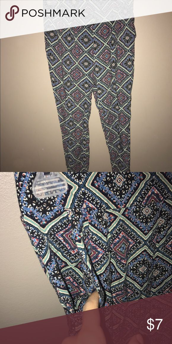 Blue Green Loose Printed Pants Cute boho print | Lightweight | Loose/Not Structured (materials not listed- probably cotton blend) | Stretchy Waistband | Forever 21 Pants