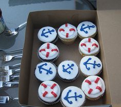 Anchor Cupcake - We need these for the fifth grade reception!