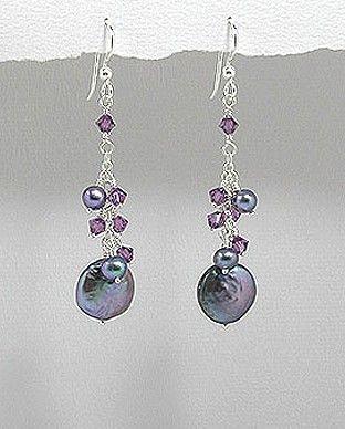 http://silverstar4u.eu/index.php?id_product=190&controller=product&id_lang=2 Cercei fini din argint 925 cu cristale Swarovski si perle naturale de apa dulce. Dimensiuni: 13 x 60 mm. (latime x inaltime)