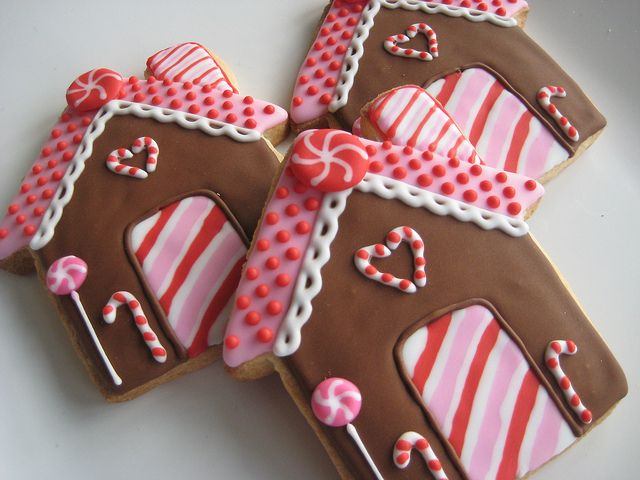 sugarlily cookie - christmas - christmas cookies - gingerbread house cookies