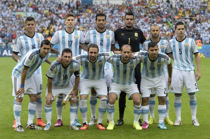 Echipa naţională de fotbal a Argentinei, pe stadionul Beira-Rio, în Porto Alegre, miercuri, 25 iunie 2014. (  Juan Mabromata / AFP  ) - See more at: http://zoom.mediafax.ro/sport/drumul-spre-finala-cupei-mondiale-12929349#sthash.qJLekd8E.dpuf