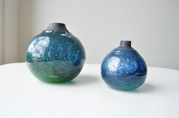 Benny Motzfeldt Randsfjord Glass. Stor; vekt: 1.05 kg / høyde 13.5 cm kr. 950,-.Liten 0.31 kg / høyde 10 cm kr. 600,-