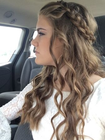 Homecoming Hairstyles 24 stunning prom hairstyles for long hair Homecoming Hairstyles For Long Hair Tutorial