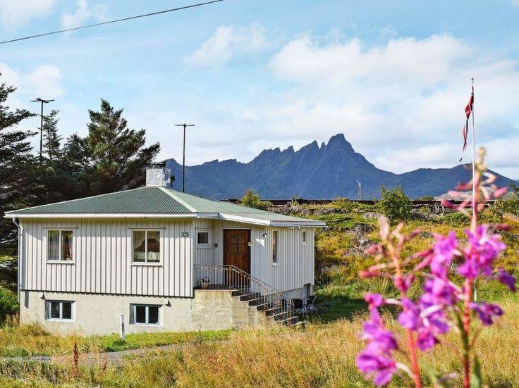Ferienhaus (Villa) Lofoten für 4 Personen  Details zur #Unterkunft unter https://www.fewoanzeigen24.com/norwegen/nord-norge/8370-leknes/Villa-mieten/10651:147252145:0:mr2.html  #Holiday #Fewoportal #Urlaub #Reisen #Leknes #Ferienhaus #Villa #Norwegen