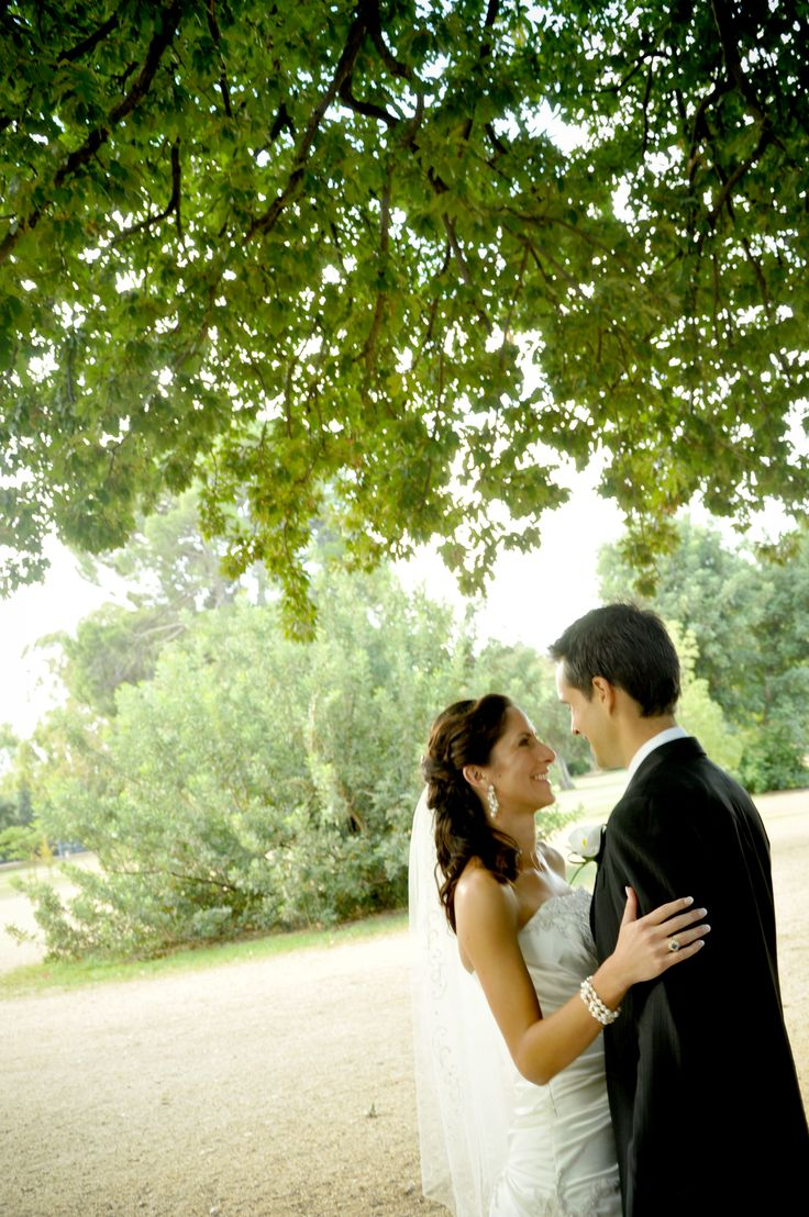 Relaxed moments caught! Photos before the ceremony anyone? Amazing and intimate moments - Adelaide Zoo/Plain Tree Drive