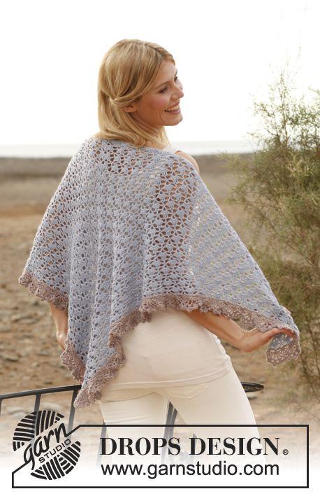 """Gehaakte DROPS omslagdoek van """"BabyAlpaca Silk"""". ~ DROPS Design, #haken, gratis patroon, dit patroon wordt gebruikt voor het verloopgaren van het wolcafé, #crochet, free pattern, shawl, wrap, unikat, Scheepjes #Whirl"""