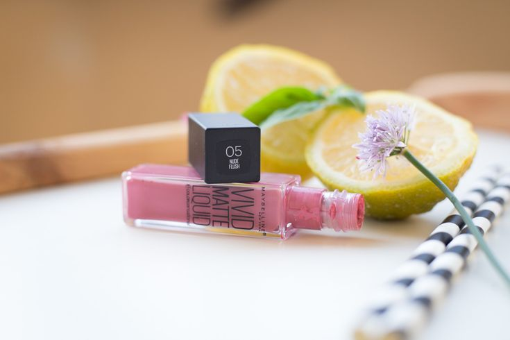 Maybelline Vivid Matte Liquid Lipstick °05 Nude Flush