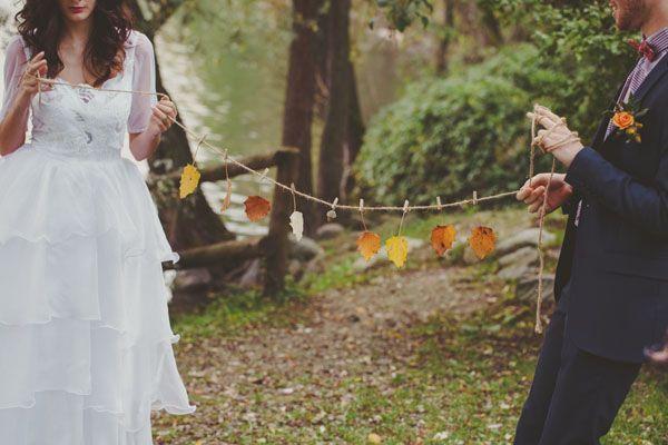 Matrimonio autunnale con un abito anni 70