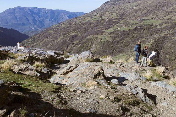 Eerste dag wandelen in de Alpujarras. Heerlijke dag vol zon. Van 10.15-17.00u onderweg klimmen en dalen. #willemlaros.nl #flickr #photography #travelphotography #traveller #canon #snpnatuurreizen #canon_photos #fotoreis #travelblog #reizen #reisjournalist #travelwriter#fotoworkshop #reisfotografie #landschapsfotografie #follow #alpujarras #capileira #granada #spanje #fb