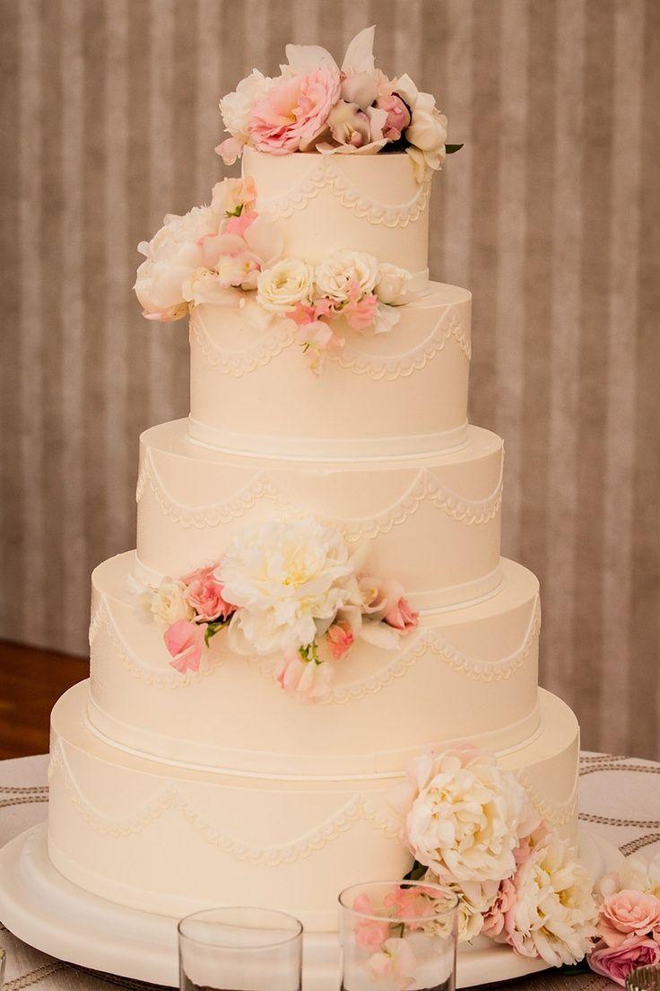 Found on WeddingMeYou.com - Floral Wedding Cakes #flowers #weddingcake