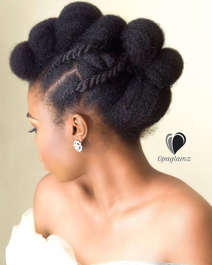 Magnifique coiffure sur cheveux crépus naturels pour le mariage