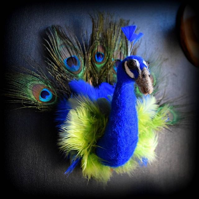 Peacock, part of my birds of a feather collection #peacock #feltfaunabyac