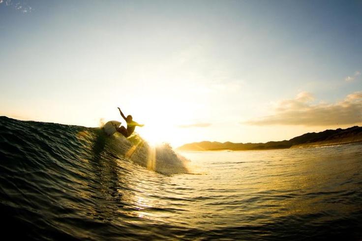 Surfing with Sunset@heisaura