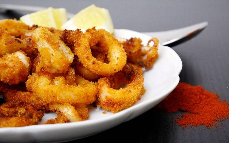 Gli anelli di calamari alla paprica al forno sono semplicissimi da preparare e golosi quanto quelli fritti...ma molto più leggeri!