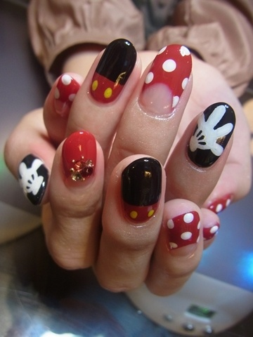 If I ever go on a Disney cruise, I'll do these. :)