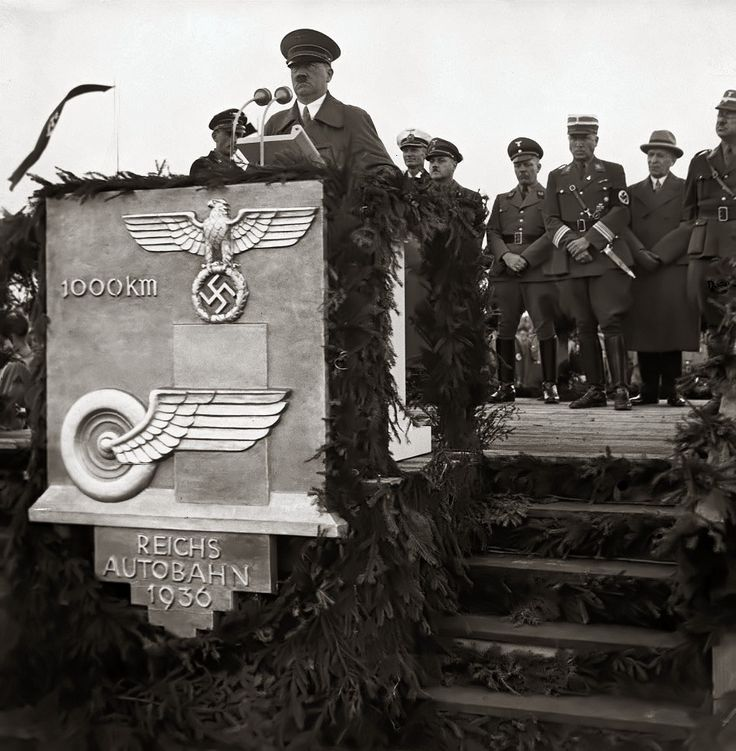 The inauguration ceremony of the 1,000th kilometer of the Reich Autobahn (1936)