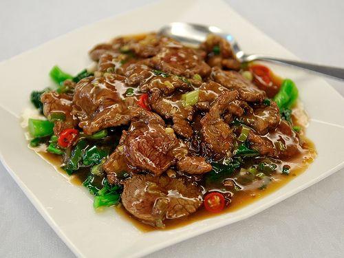 sauteed beef with Kailan | Taiwanese cuisine
