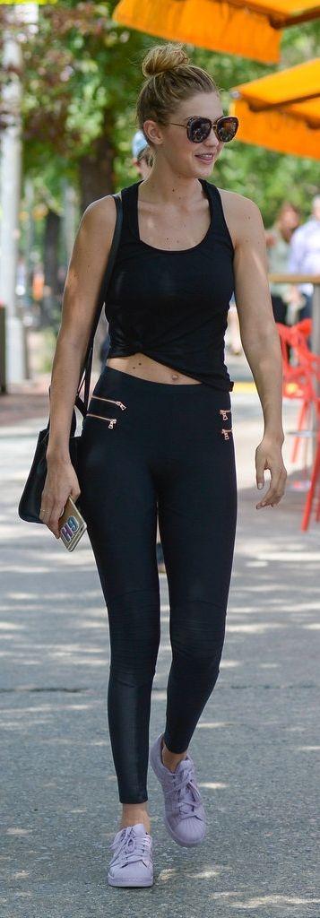 Gigi Hadid shows us how to wear leggings as pants.