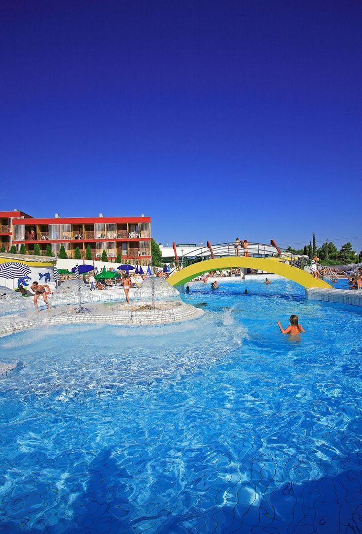 Book Bluesun Resort Bonaca, Bol on TripAdvisor: See 195 traveller reviews, 227 candid photos, and great deals for Bluesun Resort Bonaca, ranked #5 of 12 hotels in Bol and rated 4 of 5 at TripAdvisor.