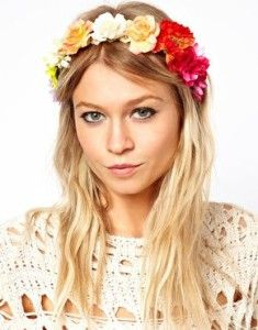 Flowers in hair. Romantic look for long blonde wavy hair. Headband.