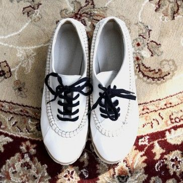 [White Oxford] Faux leather #oxfords featuring contrast stitching. Lace-up top. Round toe. #oxfordshoes #shoes #koreanshoes #loafers #whiteshoes