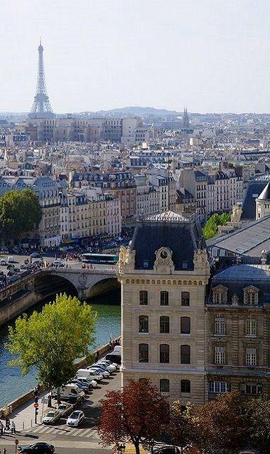 Paris, France (by brangal on Flickr)