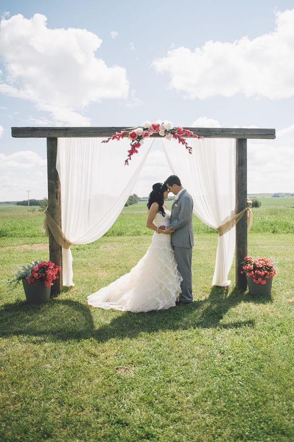 outdoor wedding ceremony http://www.weddingchicks.com/2013/10/02/family-farm-wedding/