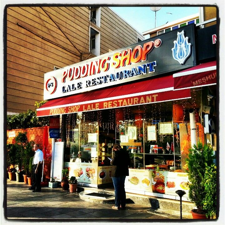 Famous cafeteria in Sultanahmet: The Pudding Shop