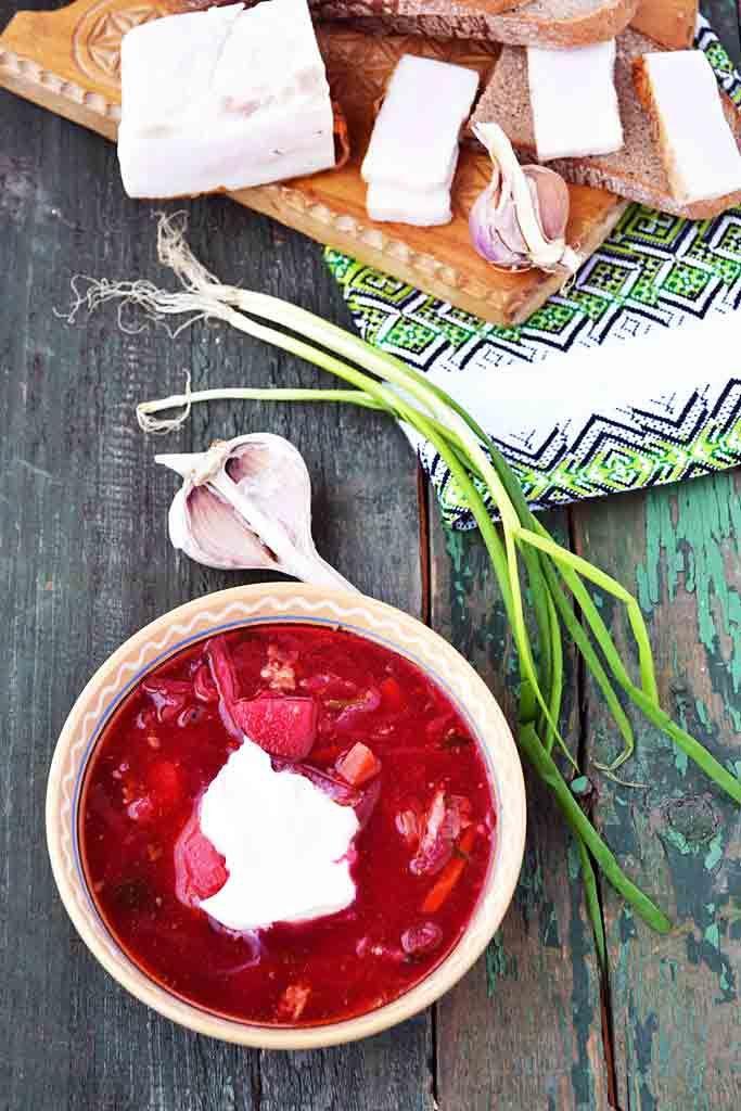 Борщ со свининой - пошаговый рецепт приготовления данного блюда с фото и видео вы можете найти на кулинарном сайте Люблю Покушать LoveToEat.ru http://www.lovetoeat.ru/borshh-so-svininoy/