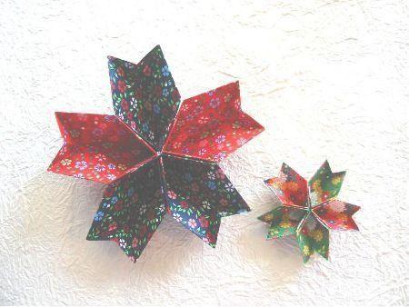 3月3日はひな祭り。おひなさまを飾って、ちらし寿司やはまぐりのお吸い物を用意して、女の子のお祝いをするご家庭も多いのではないでしょうか。桃の節句に食べるお菓子といえば、ひなあられ。そのひなあられを入れる器にピッタリな、桜や桃の花の形をした紙皿を折り紙で工作してみませんか?ひな壇にそのまま飾ることもできますし、ひなまつりパーティーの可愛い紙皿としても活用できますよ♪お花の紙皿の作り方をご紹介します!