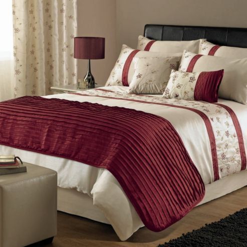 Dreams N D Iola Duvet Set In Red King From Our Size Covers Bedding Sets Range At Tesco Direct We Stock A Great Of Products