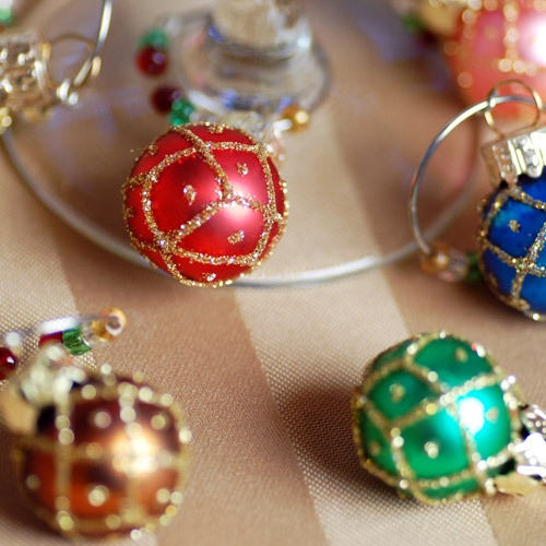 christmas wine charms make your own with supplies from michaels or other craft - Christmas Wine Charms