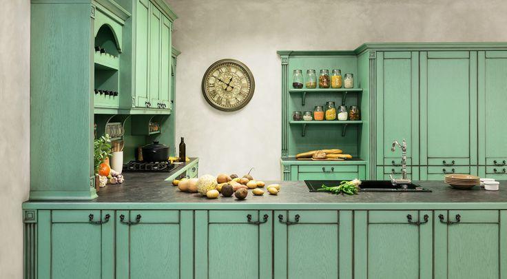 Provence styl bydlení je nadčasový. Kuchyně Avignon v zelené patině.