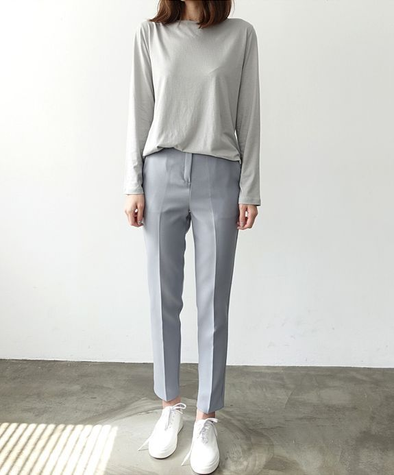 cute minimal business casual look | minimalist style | curated by ajaedmond.com/join