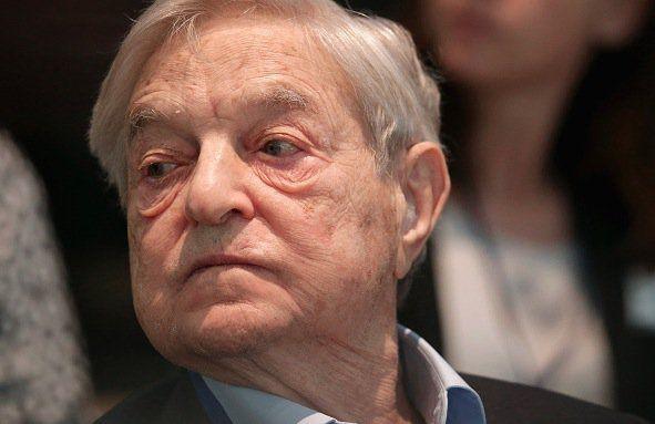 In den USA gerät der Milliardär George Soros durch Regierungsermittlungen unter Druck: Seine Einmischung in die Innenpolitik Mazedoniens über die dortige US-Botschaft ist aufgeflogen. Republikaner fordern Antworten.