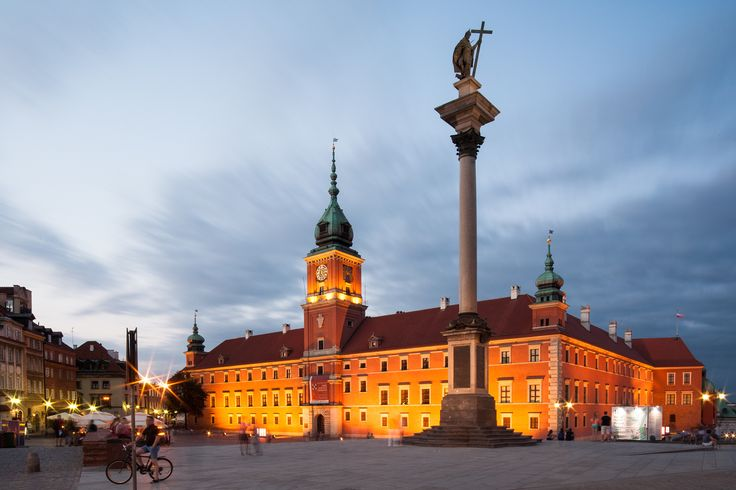 Castle Square, Warsaw, Poland - Zygmunt's Column and Royal Castle by night, Warsaw, Poland. For more architectural photos go to http://www.danielciesielski.com/