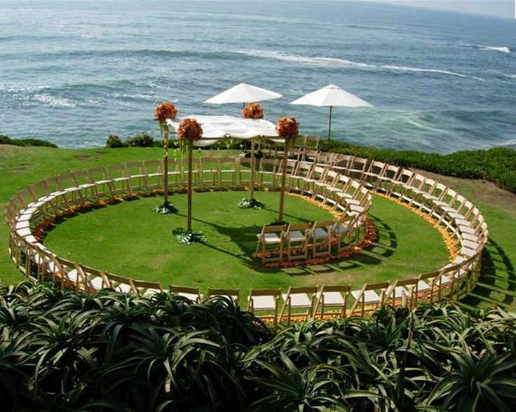 Circle Seating Arrangement For Beach Wedding: 1000+ Ideas About Ceremony Seating On Pinterest
