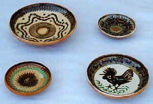 horezu2.jpg (26207 octets) Horezu, un des plus importants centres de la poterie roumaine