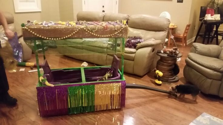 Wagon Float for Preschool Mardi Gras parade